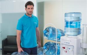 Distribuidores de agua embotellada, con dispensador