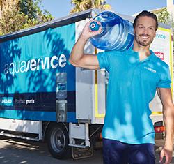 fuente de agua en casa repartidor